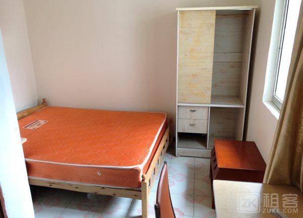 村地铁站上梅林新村三房一厅,可做宿舍,房东直租