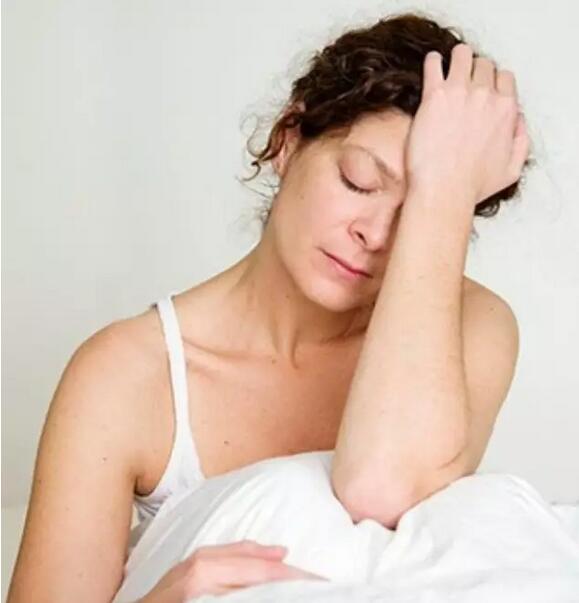 为什么有时越睡越困?